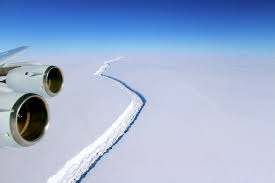 crack in ice shelf